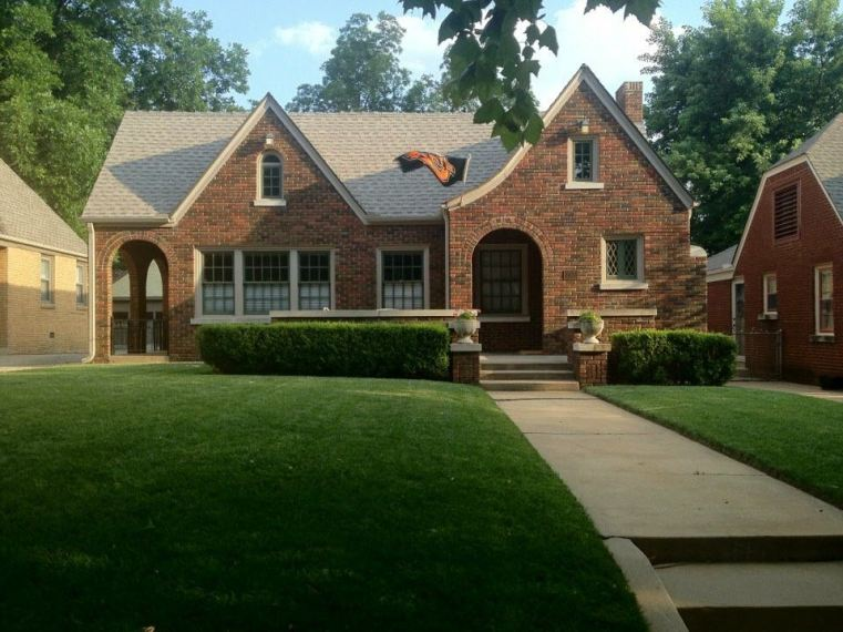 216 NW 32nd Street